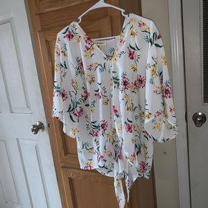 EE:Some floral knot top